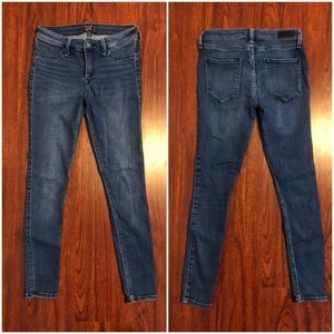 *2 PAIRS AVAILABLE* A&F Harper low rise jeggings